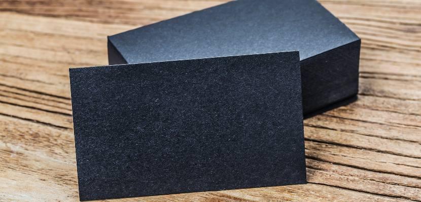pila de tarjetas de presentación